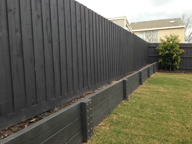 Retaining wall specialists melbourne mornington peninsula for Landscaping rocks geelong