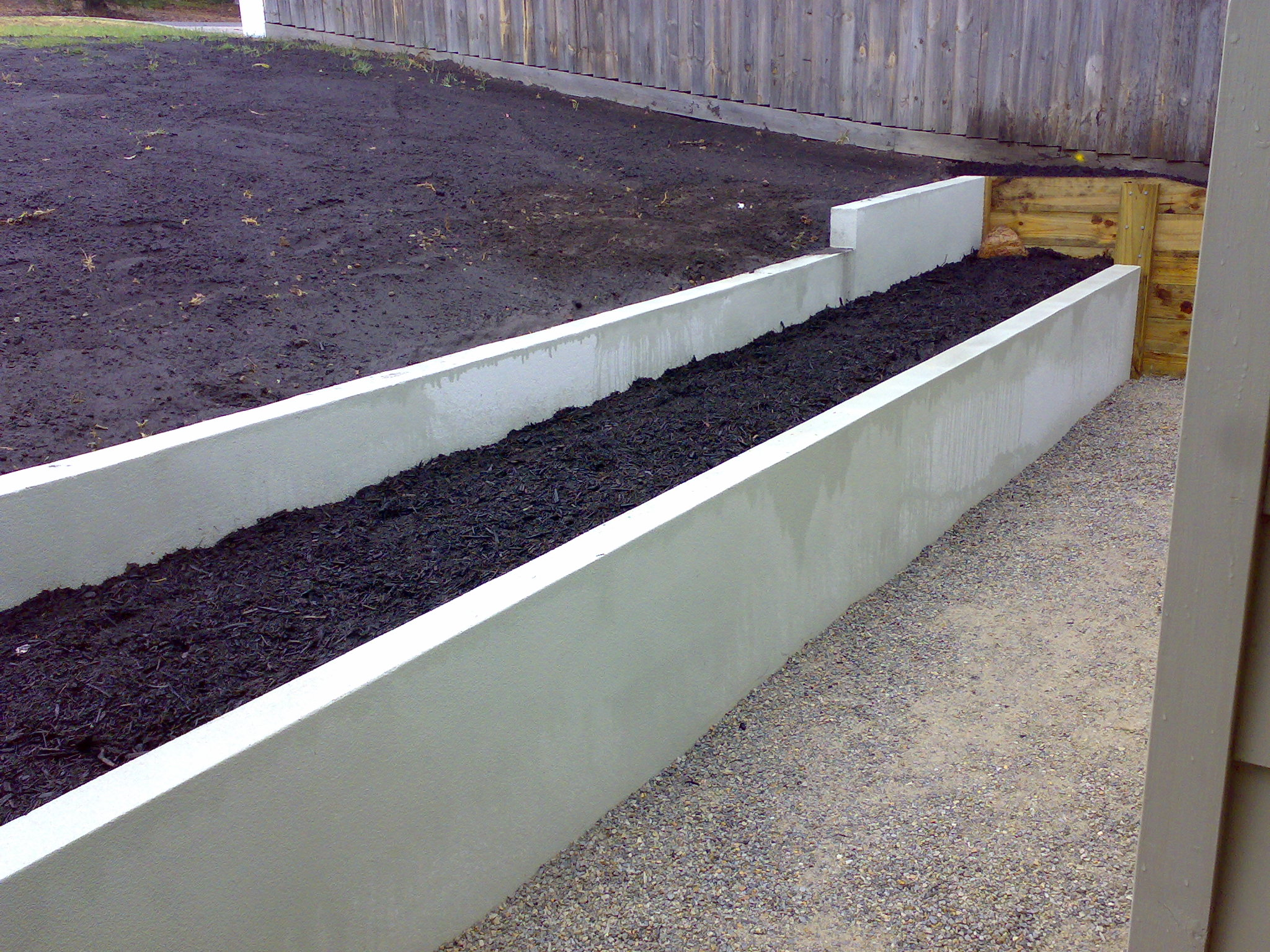 Retaining Wall Faq I Do I Need Uprights Or Concrete Footing