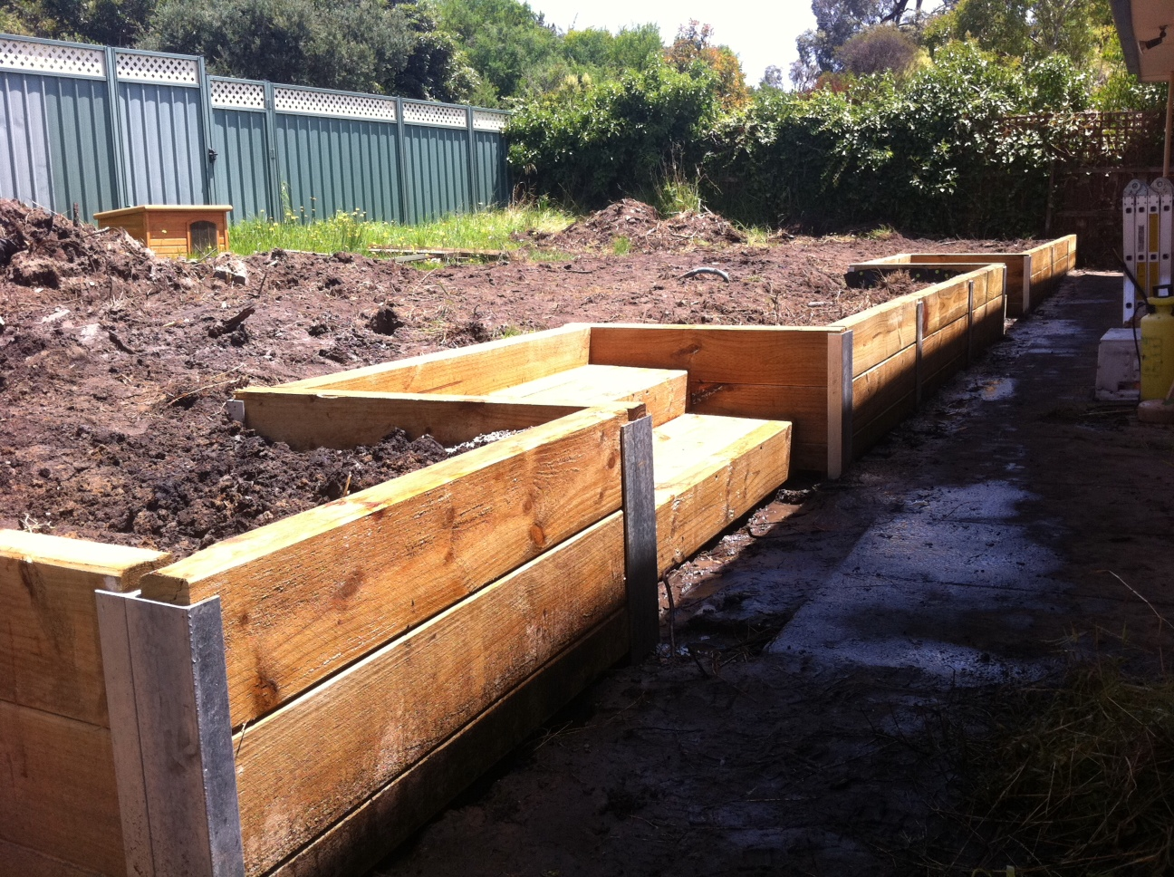 Wall Construction Materials : Retaining wall building materials i which should choose
